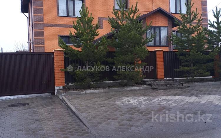6-комнатный дом, 304 м², Сатпаева за 85 млн 〒 в Караганде, Казыбек би р-н