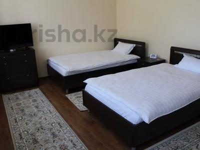 1-комнатная квартира, 48 м², 2/2 этаж посуточно, Биржан Сала 125 — Ж.Жабаева за 13 000 〒 в Талдыкоргане — фото 2