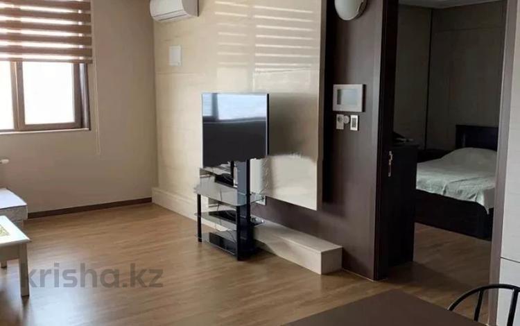 2-комнатная квартира, 72 м², 28/30 этаж помесячно, Байтурсынова 1 за 250 000 〒 в Нур-Султане (Астана)