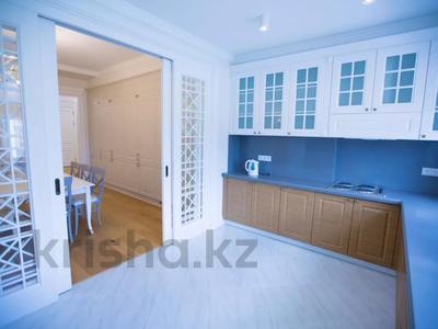 7-комнатная квартира, 375 м², 4/6 этаж помесячно, Сарайшык 11/1 за 1 млн 〒 в Нур-Султане (Астана) — фото 16