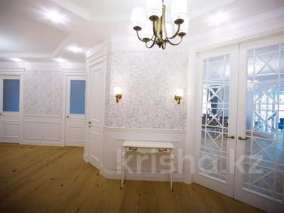 7-комнатная квартира, 375 м², 4/6 этаж помесячно, Сарайшык 11/1 за 1 млн 〒 в Нур-Султане (Астана) — фото 6