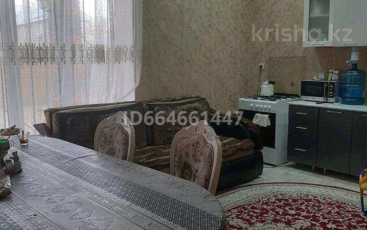 5-комнатный дом, 200 м², 5 сот., улица Алтынбека Акимжанова — Кунаева за 40 млн 〒 в Актобе