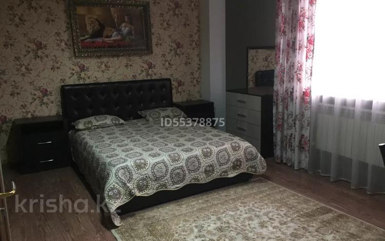1-комнатная квартира, 30 м², 3/3 этаж помесячно, Есенова 13А — Маметовой за 150 000 〒 в Алматы, Медеуский р-н
