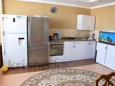 3-комнатная квартира, 78 м², 10/12 этаж, Кошкарбаева за 26 млн 〒 в Нур-Султане (Астане), Алматы р-н