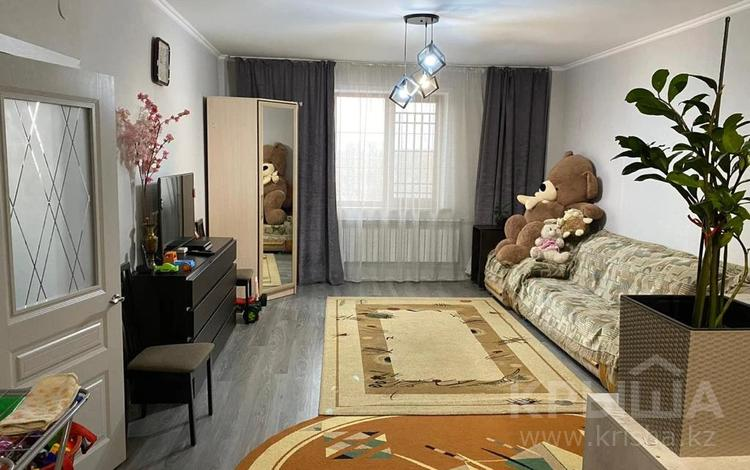 2-комнатная квартира, 91 м², 6/8 этаж, мкр Айнабулак-2, Мкр Айнабулак-2 за 26.5 млн 〒 в Алматы, Жетысуский р-н