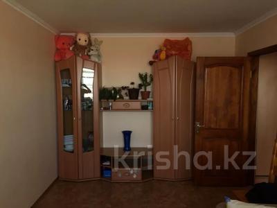 3-комнатная квартира, 69 м², 5/5 этаж, Муткенова — Суворова за 10.5 млн 〒 в Павлодаре
