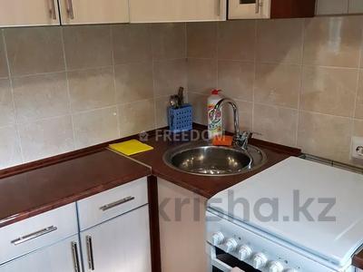 1-комнатная квартира, 36 м², 4/5 этаж по часам, Бухар Жырау 2 — Короленко за 1 250 〒 в Павлодаре