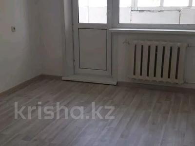 2-комнатная квартира, 57 м², 2/9 этаж помесячно, Строительная 17 за 60 000 〒 в Караганде, Казыбек би р-н — фото 3
