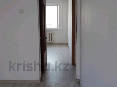 2-комнатная квартира, 57 м², 2/9 этаж помесячно, Строительная 17 за 60 000 〒 в Караганде, Казыбек би р-н — фото 4