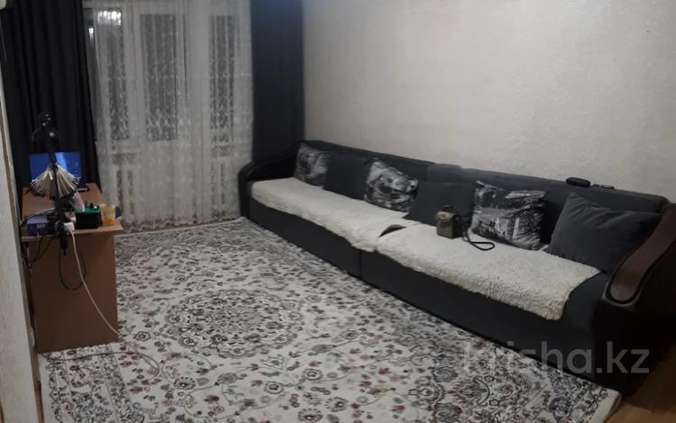 3-комнатная квартира, 60 м², 5/5 этаж, Лободы за 15 млн 〒 в Караганде, Казыбек би р-н