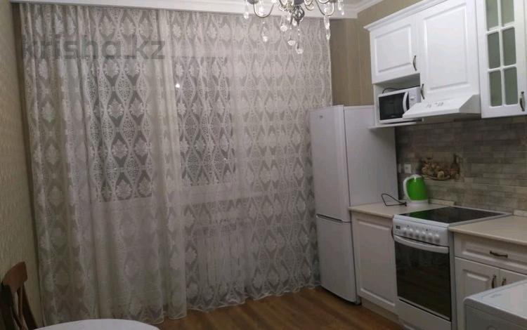 2-комнатная квартира, 68 м², 4/10 этаж помесячно, Улы Дала 29 за 140 000 〒 в Нур-Султане (Астана), Есиль р-н
