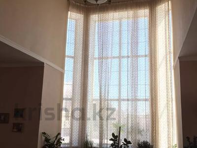 6-комнатный дом, 380 м², 9 сот., Жандарбековой 65 за ~ 39 млн 〒 в Караганде, Казыбек би р-н — фото 3