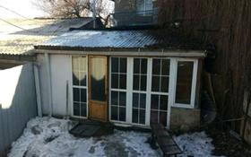 2-комнатный дом помесячно, 50 м², 2 сот., мкр №8 — Шаляпина за 100 000 〒 в Алматы, Ауэзовский р-н