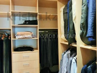 4-комнатная квартира, 250 м², 2/3 этаж, Керей-Жәнібек хандар 276/15 за 260 млн 〒 в Алматы, Медеуский р-н — фото 12