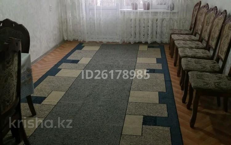 3-комнатная квартира, 57.5 м², 4/5 этаж, Мкр 11 21 за 12 млн 〒 в Таразе