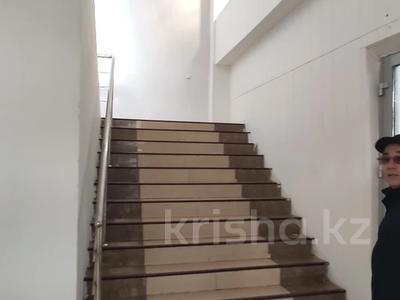 Здание, площадью 4580.3 м², Молдагуловой 56г за 598.9 млн 〒 в Актобе — фото 9
