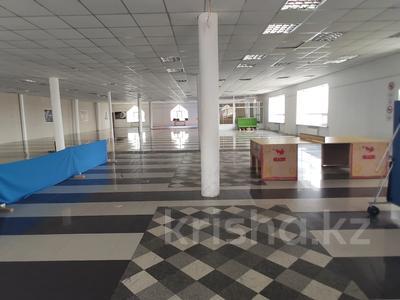 Здание, площадью 4580.3 м², Молдагуловой 56г за 598.9 млн 〒 в Актобе — фото 31