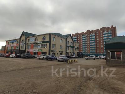 Здание, площадью 4580.3 м², Молдагуловой 56г за 598.9 млн 〒 в Актобе — фото 8