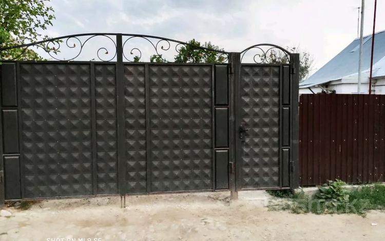 4-комнатный дом, 85 м², 9 сот., Алчовая 4 за 8 млн 〒 в Таразе