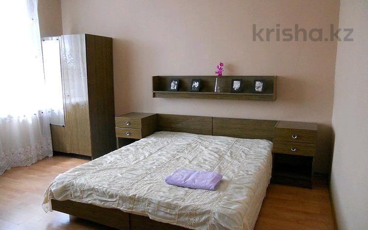 1-комнатная квартира, 45 м² посуточно, мкр №8 за 8 999 〒 в Алматы, Ауэзовский р-н