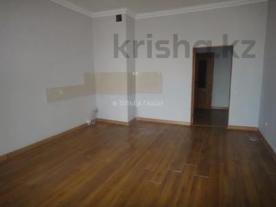 2-комнатная квартира, 68 м², 8 этаж, Желтоксан 2 за 22.2 млн 〒 в Нур-Султане (Астана), Сарыарка р-н — фото 7