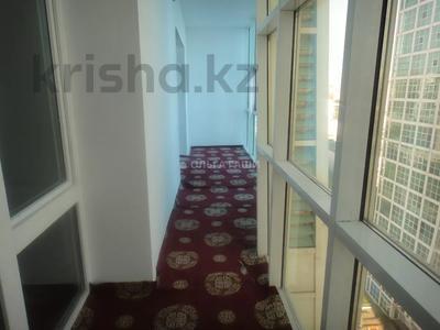 2-комнатная квартира, 68 м², 8 этаж, Желтоксан 2 за 22.2 млн 〒 в Нур-Султане (Астана), Сарыарка р-н — фото 3