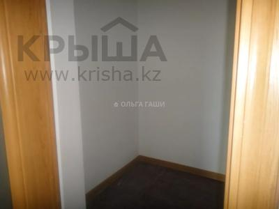 2-комнатная квартира, 68 м², 8 этаж, Желтоксан 2 за 22.2 млн 〒 в Нур-Султане (Астана), Сарыарка р-н — фото 5