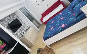 1-комнатная квартира, 38 м², 2/5 этаж посуточно, улица Желтоксан 24 а — Айтеке би & Желтоксан за 8 000 〒 в