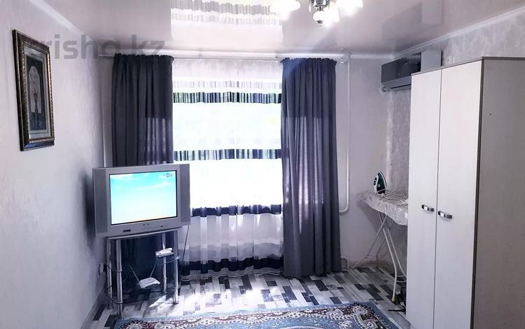 1-комнатная квартира, 30 м², 3/4 этаж посуточно, Туркестанская улица дом 3 — Площадь Аль-Фараби за 8 000 〒 в Шымкенте, Аль-Фарабийский р-н