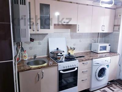 1-комнатная квартира, 30 м², 3/4 этаж посуточно, Туркестанская улица дом 3 за 8 000 〒 в Шымкенте, Аль-Фарабийский р-н