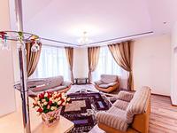 3-комнатная квартира, 140 м², 4 этаж посуточно, Достык 1 — Нур-Жолы за 17 900 〒 в Нур-Султане (Астане), Есильский р-н