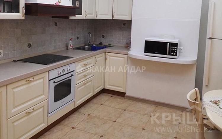 3-комнатная квартира, 155 м², 6/9 этаж помесячно, Иманбаевой 8 за 250 000 〒 в Нур-Султане (Астана), р-н Байконур
