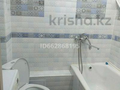 1-комнатная квартира, 40.2 м², 4/5 этаж помесячно, 4 мкрн за 70 000 〒 в Уральске — фото 4