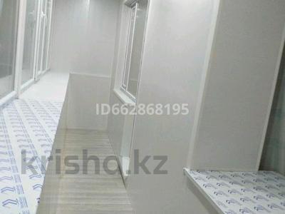 1-комнатная квартира, 40.2 м², 4/5 этаж помесячно, 4 мкрн за 70 000 〒 в Уральске — фото 5
