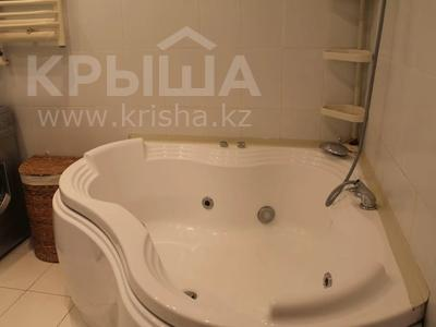 3-комнатная квартира, 59 м², 5/5 этаж, Крылов за 18 млн 〒 в Караганде, Казыбек би р-н — фото 9