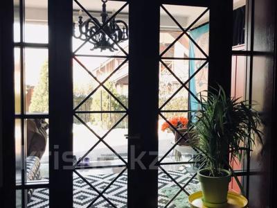 9-комнатный дом, 500 м², 10 сот., Ходжанова 58 г за 500 млн 〒 в Алматы, Бостандыкский р-н — фото 12