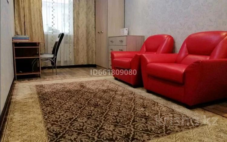 3-комнатная квартира, 100 м², 4/5 этаж помесячно, 31Б мкр, 31б мкр 31 за 110 000 〒 в Актау, 31Б мкр