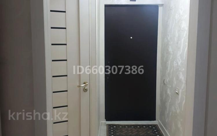 2-комнатная квартира, 44 м², 3/5 этаж, 3 мкр 8 за 14.8 млн 〒 в Чапаеве