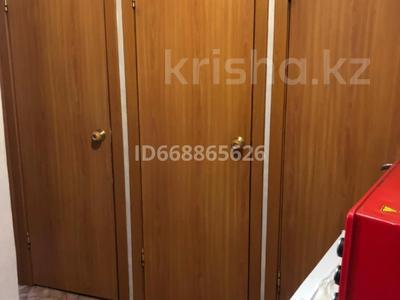 2-комнатная квартира, 44 м², 2/5 этаж, 15 микрорайон за 11.5 млн 〒 в Караганде, Октябрьский р-н