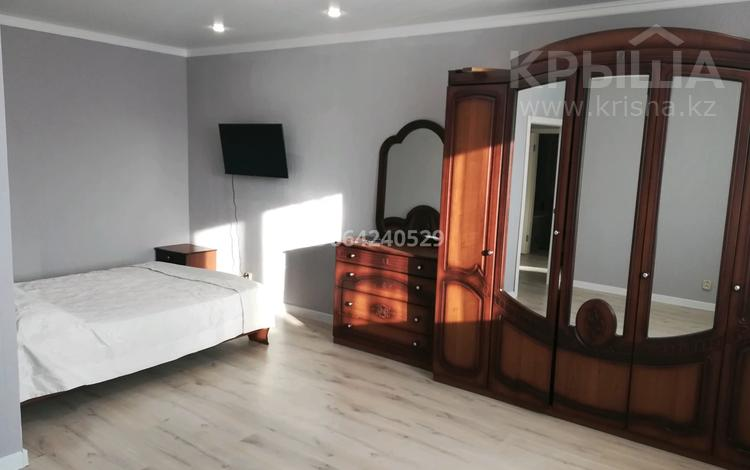 1-комнатная квартира, 49 м², 2/5 этаж посуточно, Габдулина 43 — Ауэзова за 9 000 〒 в Кокшетау