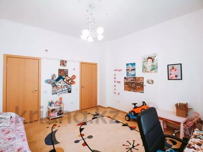 3-комнатная квартира, 128.4 м², 5/7 этаж, Калдаякова 2/1 за 50 млн 〒 в Нур-Султане (Астана), Алматы р-н — фото 4