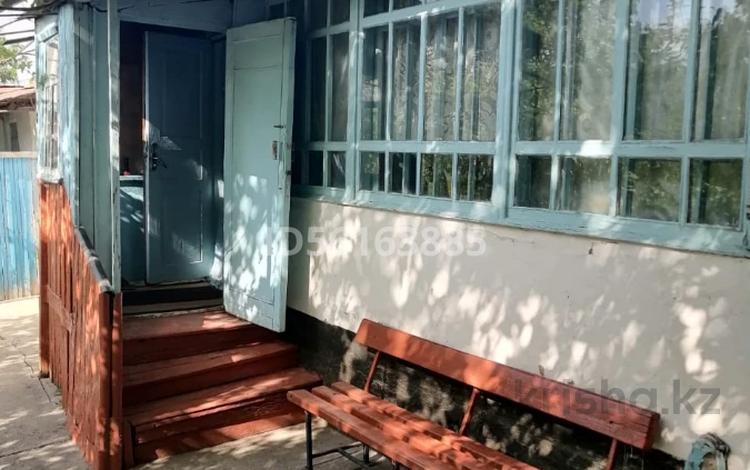 6-комнатный дом, 66.5 м², 11 сот., ул. Абая Кунанбаева 74 за 20 млн 〒 в Аксукенте