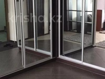 4-комнатная квартира, 160 м², 7/22 этаж помесячно, Достык 97 за 700 000 〒 в Алматы, Медеуский р-н