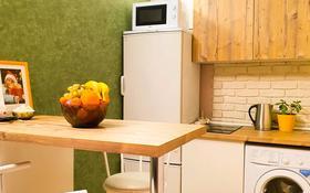 1-комнатная квартира, 38 м², 10/10 этаж помесячно, проспект Алии Молдагуловой 57г за 140 000 〒 в Актобе, мкр. Батыс-2