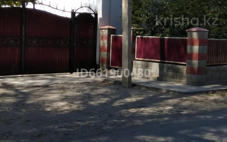 4-комнатный дом, 100 м², 12 сот., Ул.Строительная за 12 млн 〒 в Жаркенте