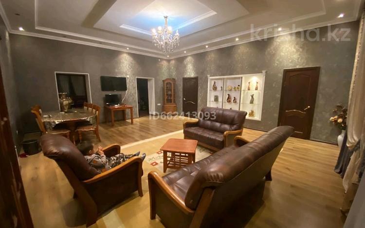 5-комнатный дом, 320 м², 8 сот., улица Акша Батыра 66 за 46 млн 〒 в Таразе