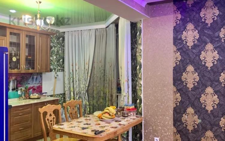 3-комнатная квартира, 115 м², 5/5 этаж, мкр Думан-2, Мкр Думан-2 за 31.5 млн 〒 в Алматы, Медеуский р-н
