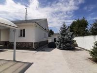 9-комнатный дом, 270 м², 7 сот.