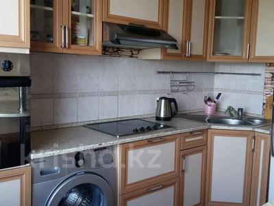 2-комнатная квартира, 54 м² посуточно, Валиханова 159 — Герцена за 7 000 〒 в Семее — фото 2