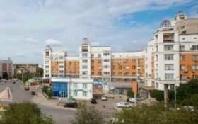 2-комнатная квартира, 64 м², 5/5 этаж, Авангард-3, Курмангазы 5 — Владимирская за 18 млн 〒 в Атырау, Авангард-3